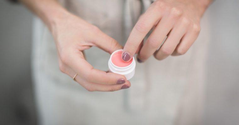 Właściwości cytryny a manicure
