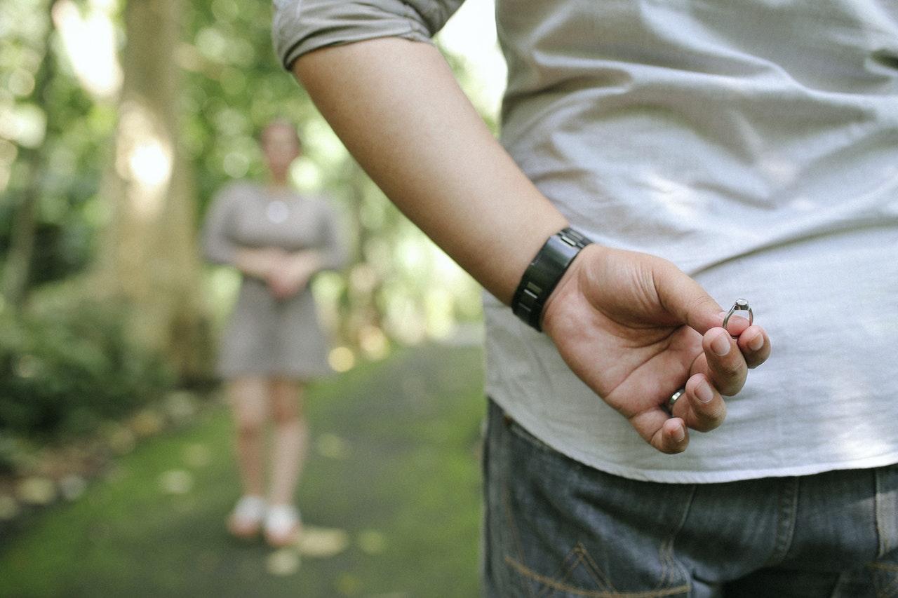 Zaręczyny – czego nie robić?